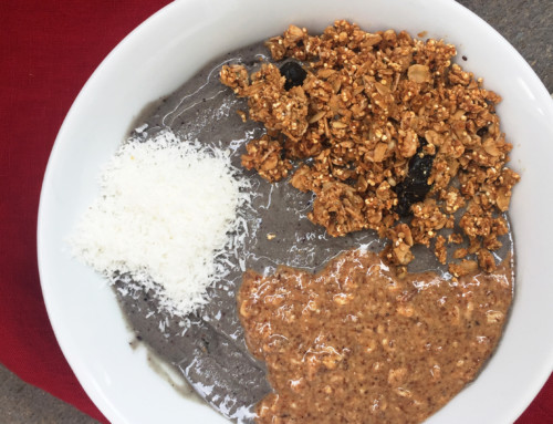 cacao acai smoothie bowl